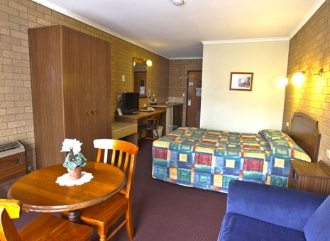 Queen Room Goldtera Motor Inn